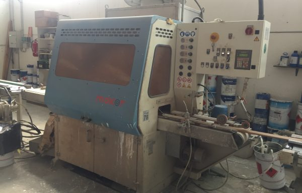 SPRAYING MACHINE MAKOR