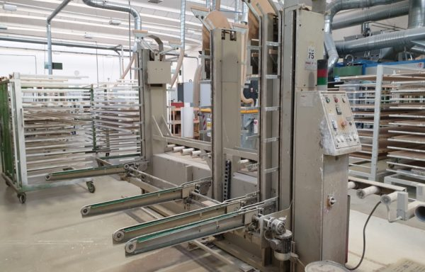 AUTOMATIC FEEDER OF TROLLEYS MAKOR